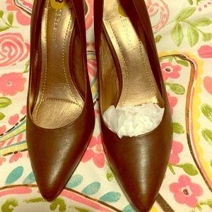 Dark brown size 8 leather heels